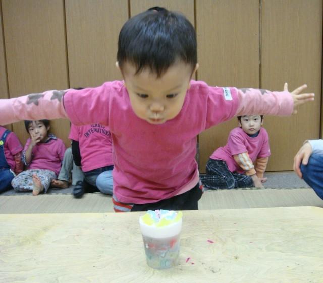 園児達とキャンドル作り